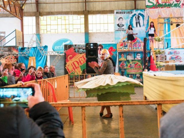 Cholitas Wrestling: Fierce Women Take the Ring in La Paz