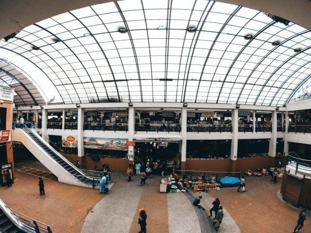 Inside Mercado 10 de Agosto