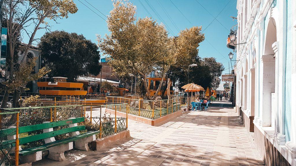 Av. Arce in the town center